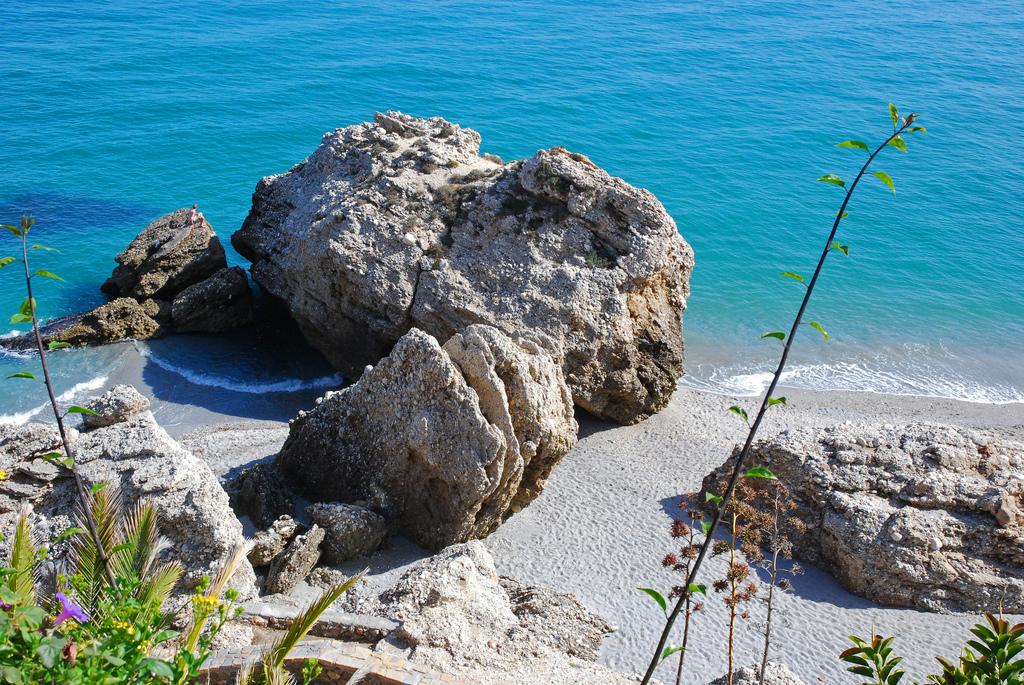 Пляж Нерха в Испании, фото 4