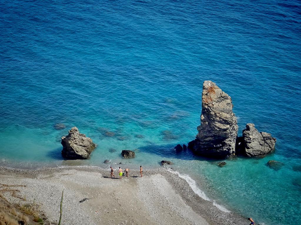 Пляж Нерха в Испании, фото 5