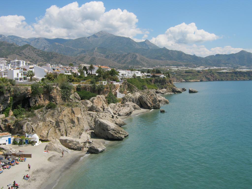 Пляж Нерха в Испании, фото 6