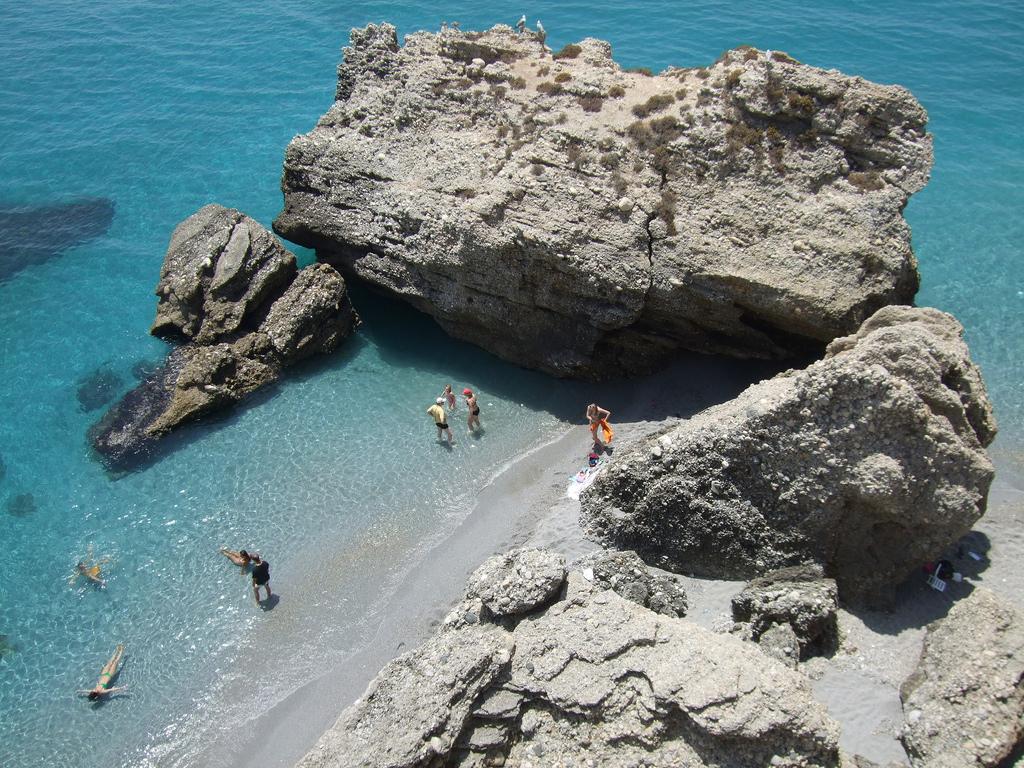 Пляж Нерха в Испании, фото 7