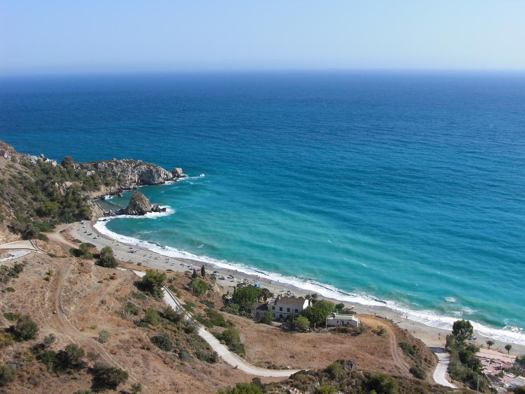 Пляж Нерха в Испании, фото 8