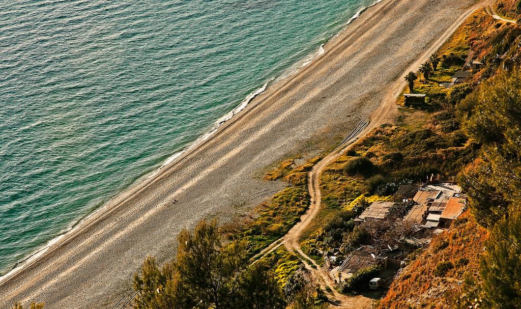 Пляж Нерха в Испании, фото 10
