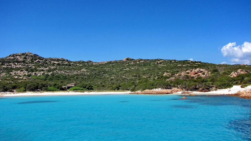 Пляж острова Ла Маддалена в Италии, фото 3