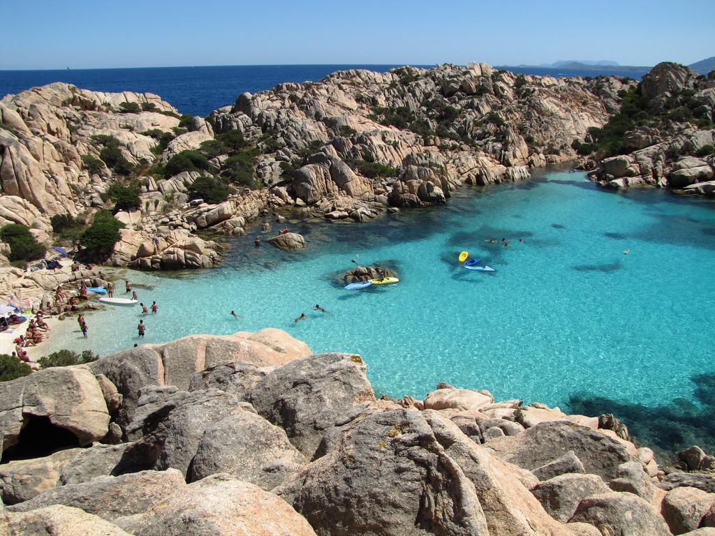 Пляж острова Ла Маддалена в Италии, фото 6