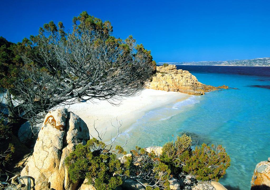 Пляж острова Ла Маддалена в Италии, фото 10