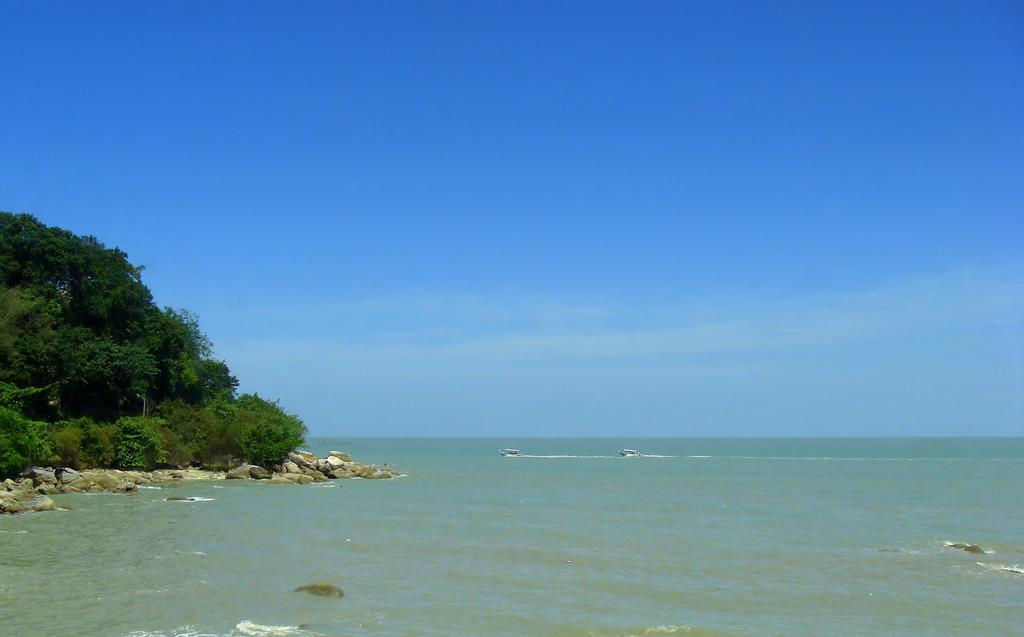 Пляж Бату Ферринги в Малайзии, фото 7