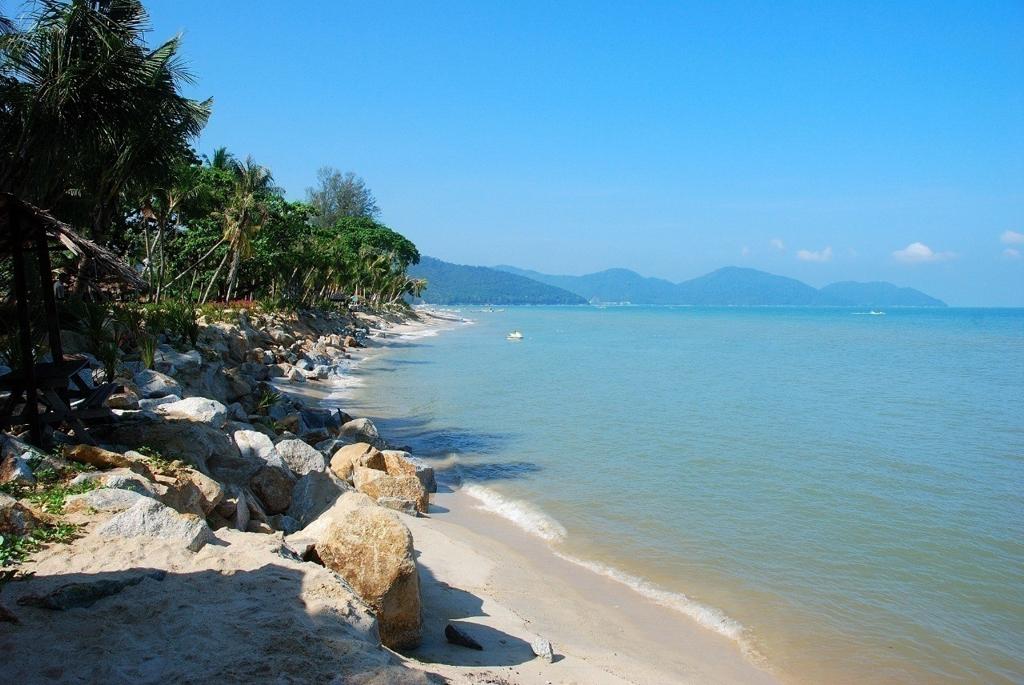 Пляж Бату Ферринги в Малайзии, фото 9