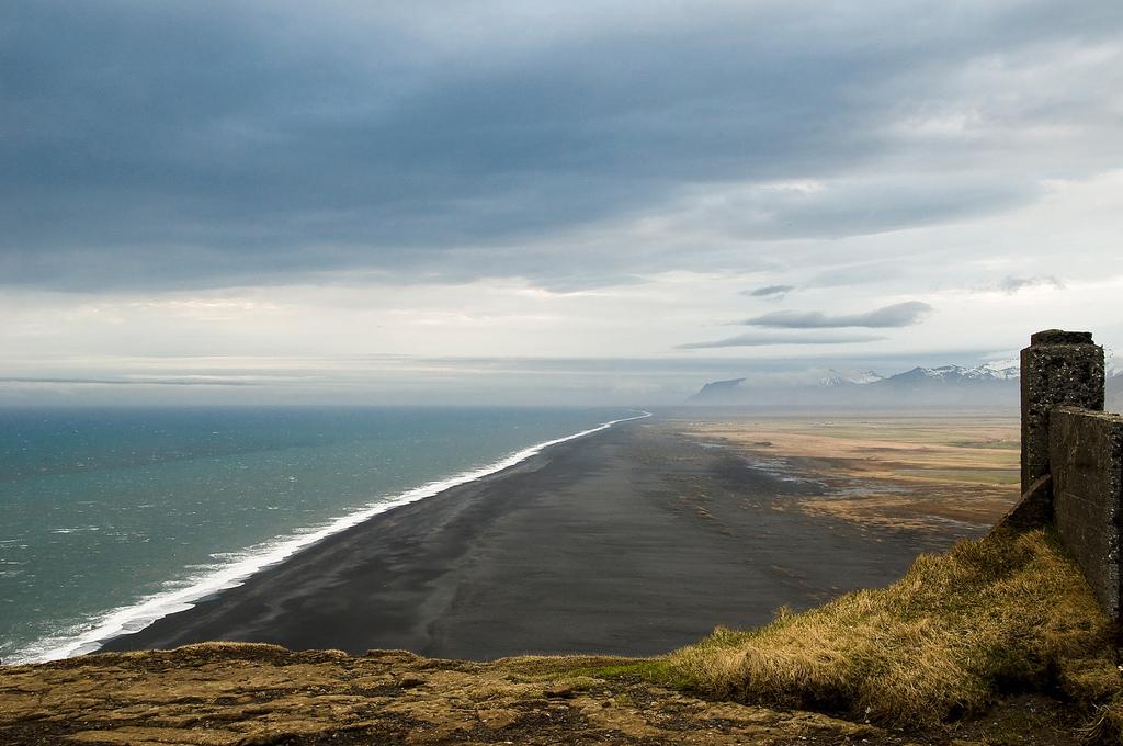 Пляж Мыс Дирхолаэй в Исландии, фото 1