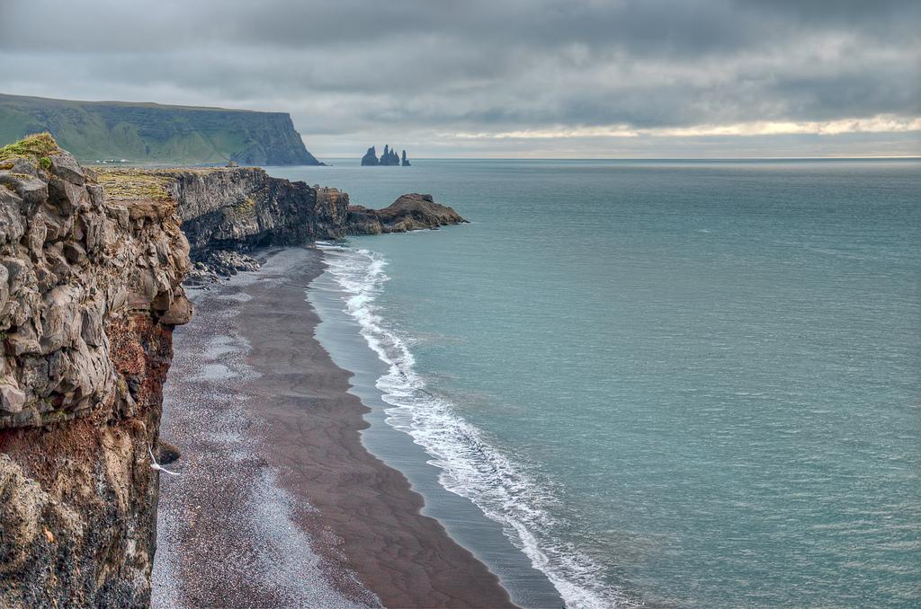 Пляж Мыс Дирхолаэй в Исландии, фото 3