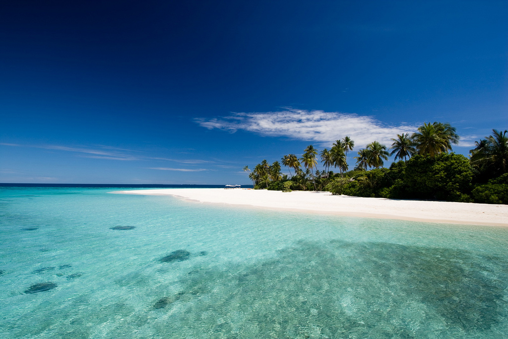Пляж острова Алила Виллас Хадахаа на Мальдивских островах, фото 3
