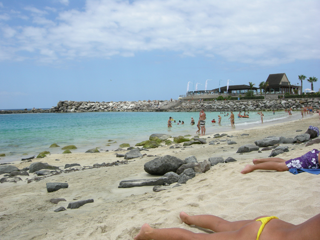 Пляж Амадорес в Испании, фото 6