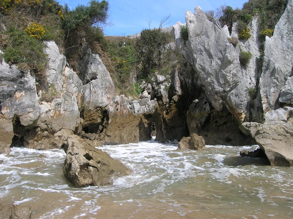 Пляж Гульпиюри в Испании, фото 9