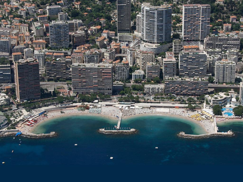 Пляж Ларвотто во Франция, фото 1