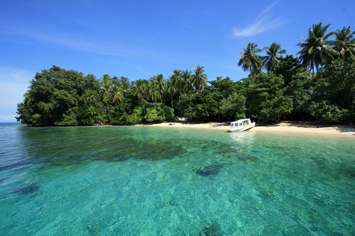 http://best.aviasovet.ru/wp-content/uploads/2011/02/plyazh-ostrova-radzha-ampat-v-indonezii-10.jpg