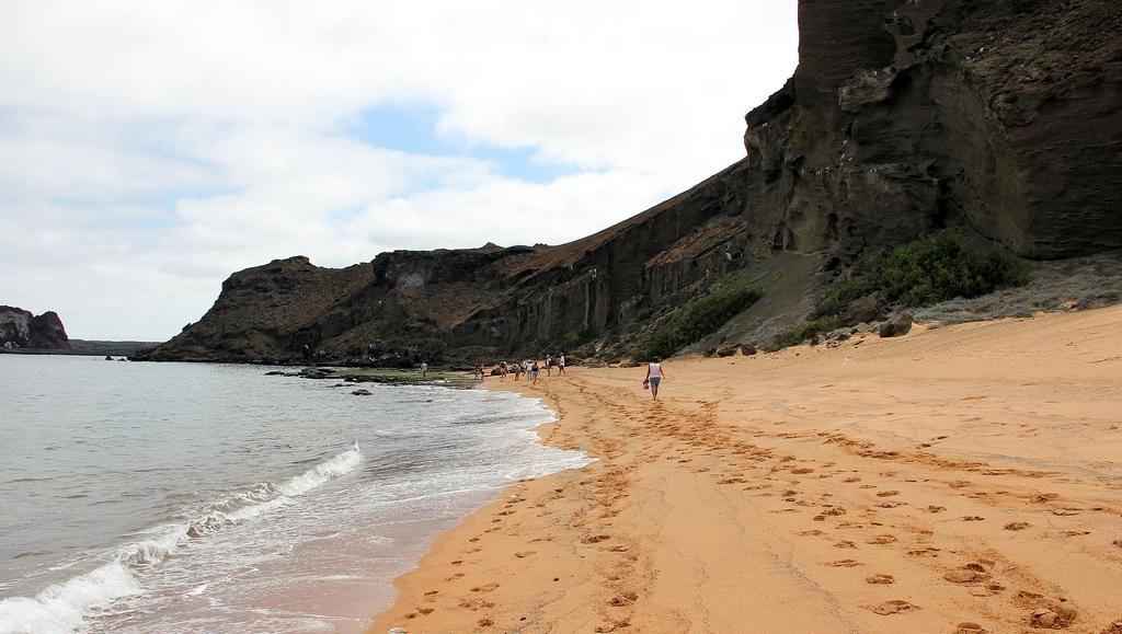 Пляж острова Бартоломе в Эквадоре, фото 2