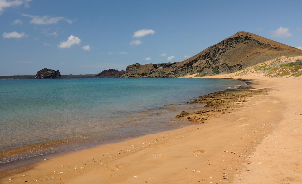 Пляж острова Бартоломе в Эквадоре, фото 3