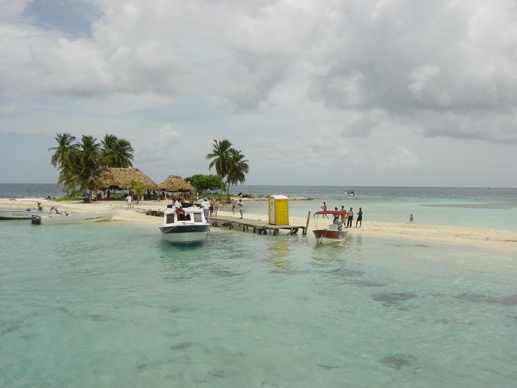 Пляж острова Гоффс Кэй в Белизе, фото 4
