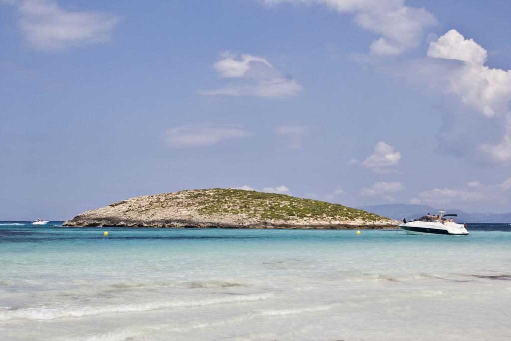 Пляж Сес Ильетас в Испании, фото 6