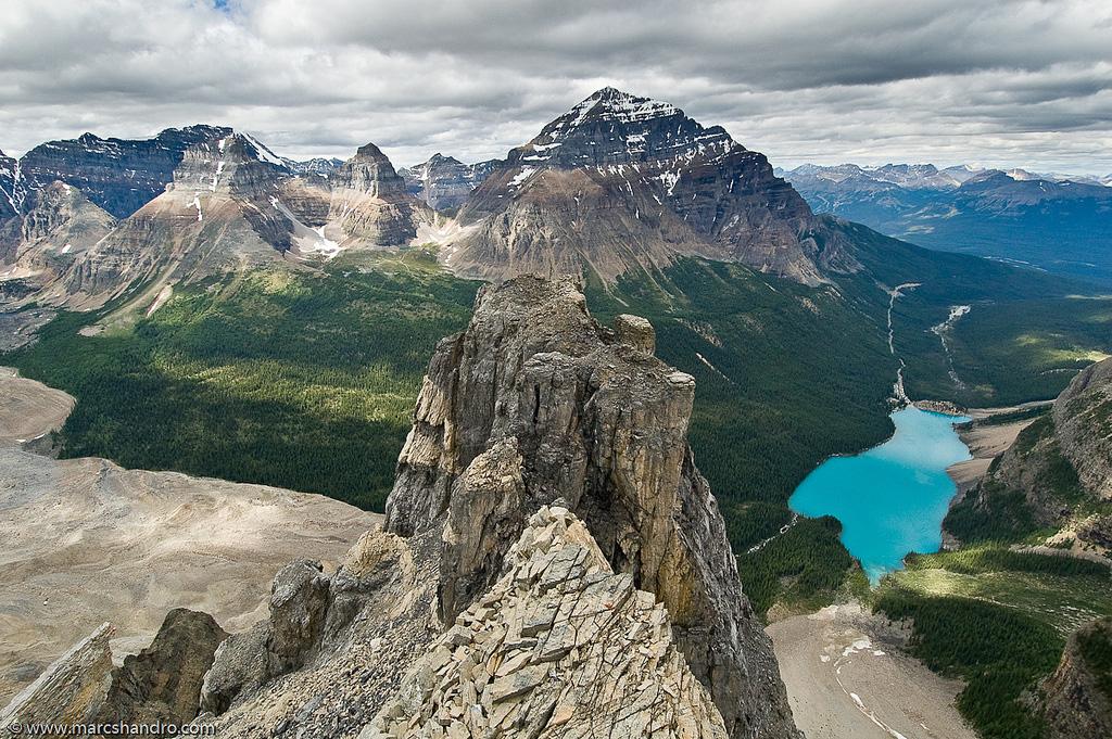 Озеро Морейн в Канаде, фото 13