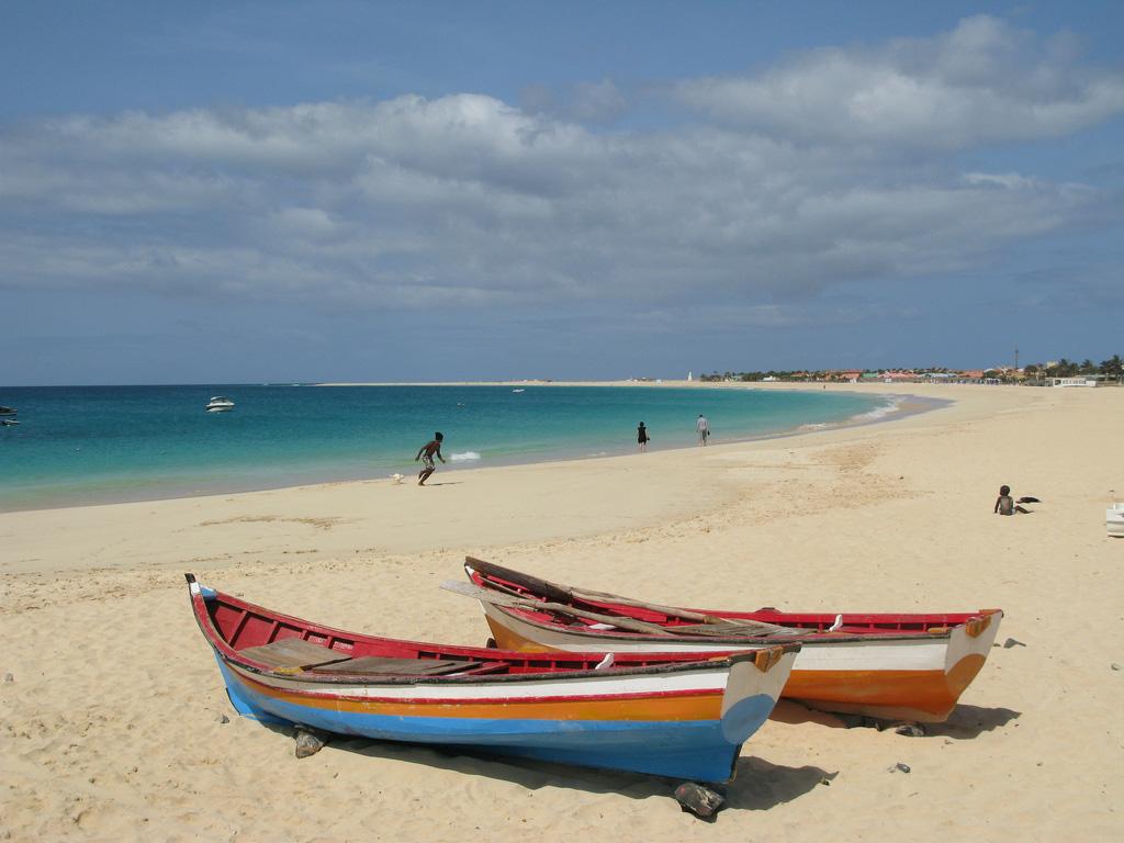Пляж Санта-Мария в Кабо-Верде, фото 3