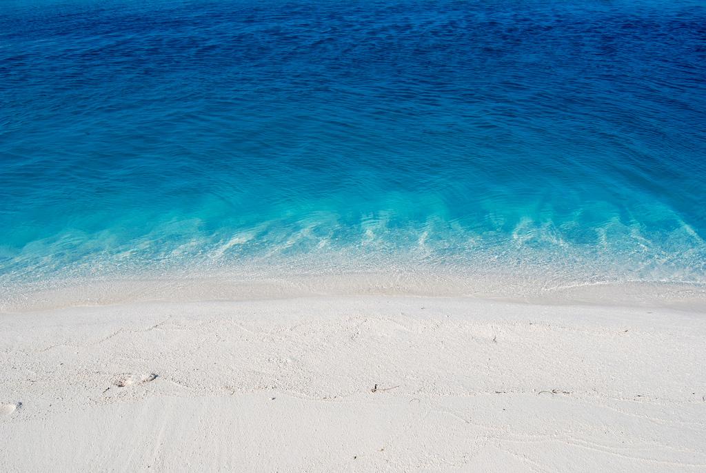 Пляж Атолла Ари на Мальдивах, фото 1